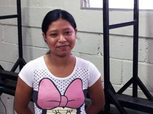 Cynthia de la escuela Nueva Esperanza